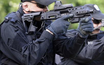 Nowe uprawnienia policji przed Euro 2012