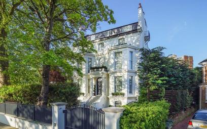 Dom Rihanny w Londynie na sprzedaż. Królewska cena