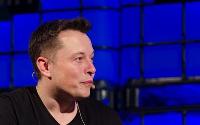 Najwięcej stracił Elon Musk, szef Tesli, którego fortuna zmniejszyła się w poniedziałek o 7,2 mld US