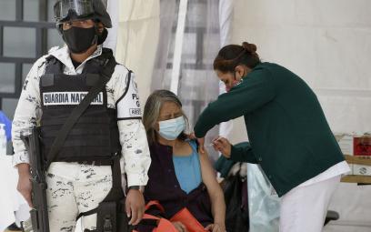 Meksyk do bogatych: Nie gromadźcie szczepionek na COVID