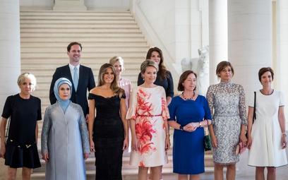 Dr Janusz Sibora: Obok pań mógłby stanąć mąż Angeli Merkel