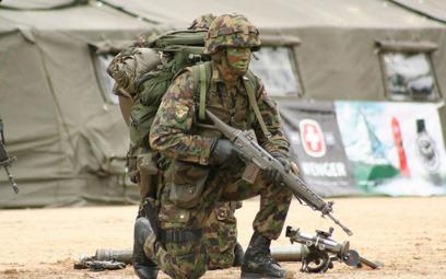 Żołnierz się postrzelił. Nie sądził, że ma ostrą amunicję