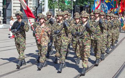 Szwajcaria: Weganie nadal będą służyć w armii