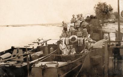 Flotylla Pińska miała dostać kilka okrętów rzecznych wykonanych z alupolonu. Takie jednostki dobrze