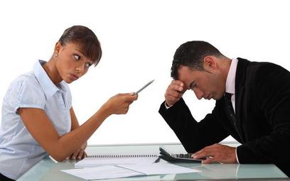 Kary porządkowe: pracodawca powinien powiadomić związek, że pracownik złożył sprzeciw