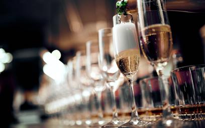 """TSUE: Nazwa """"szampan"""" chroniona też w tapaderias"""
