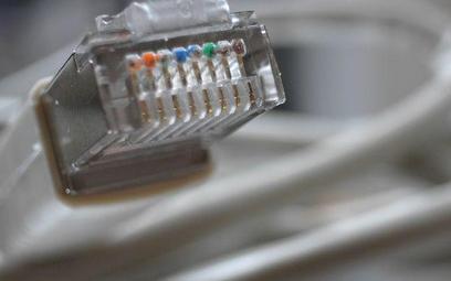 Mali lokalni dostawcy Internetu powinni poszukać nowej strategii niż sprzedaż usług triple play, bo