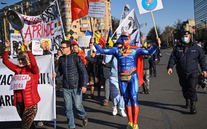 Bukareszt. Milion zakażeń nie zatrzymał marszu koronasceptyków