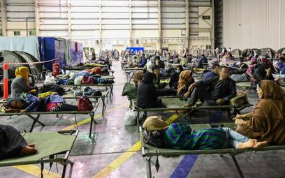 Francja: Związek z talibami? Zatrzymano ewakuowanego Afgańczyka