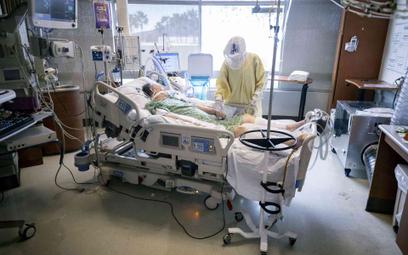 Opieka nad chorym na COVID-19 w szpitalu w USA