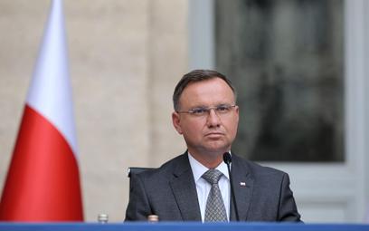 """Andrzej Duda na okładce """"Mińskiej Prawdy"""". Jak Hitler"""