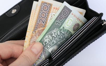 Pensje w Polsce będą jawne - kontrowersje wokół projektu dyrektywy unijnej
