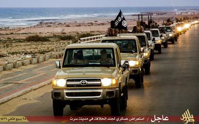 Siły libijskie bombardują okolice Syrty