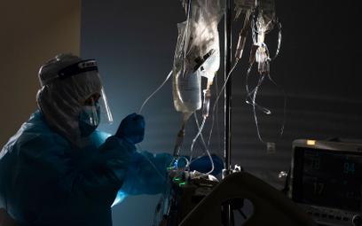 Koronawirus w Polsce. Ponad 700 wolnych respiratorów dla pacjentów z COVID-19