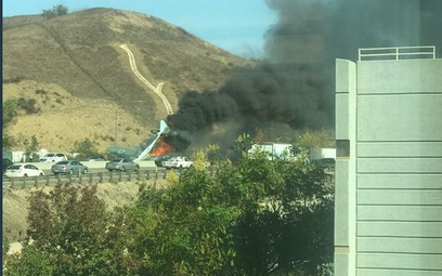 Kalifornia: Samolot rozbił się na autostradzie