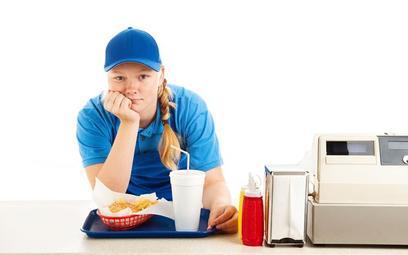 Pracownicy młodociani: dorywcza praca 15-latka w ferie podlega ograniczeniom
