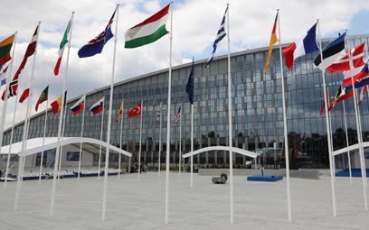 NATO zaprasza Macedonię do rozmów