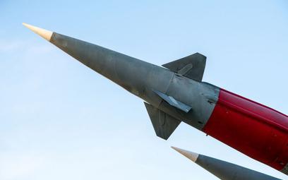"""Iran pokazuje """"miasto rakiet"""", nową bazę wojskową"""