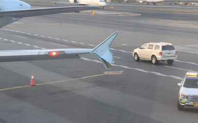 Kolizja samolotów na płycie lotniska w Nowym Jorku