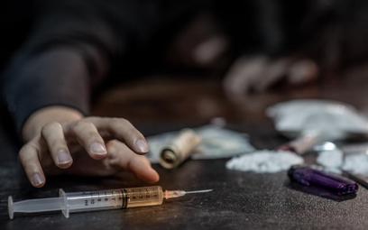 GIS ostrzega przed narkotykiem. Jest 60 razy mocniejszy od morfiny
