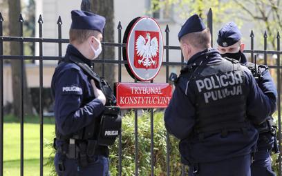 W TK godło Polski zaklejono herbem Cesarstwa Rosyjskiego