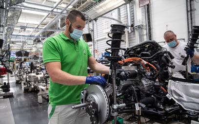 Produkcję aut może hamować brak stali