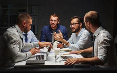 Spółki: klauzule opcyjne w transakcji zbycia udziałów