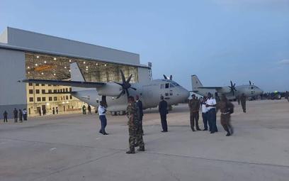 Pierwsze dwa kenijskie Spartany po przylocie do Nairobi. Fot./Siły Powietrzne Kenii.