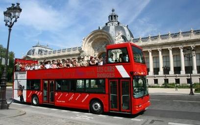 Paryż – ranni w wypadku autobusu turystycznego