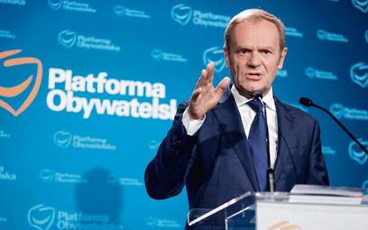 Donald Tusk jest wściekły na kolegów z PO, którzy zamiast w Sejmie, byli na przyjęciu