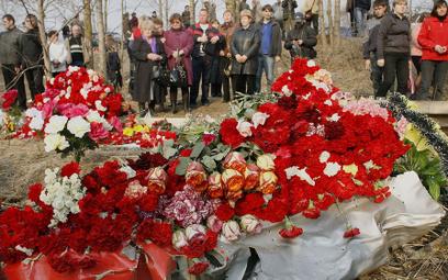 Premier chce lecieć do Smoleńska 10 kwietnia. Rosja milczy