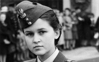 Kim jest kobieta na zdjęciu sprzed 70 lat? Internauci pomogli IPN