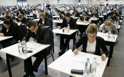 Egzaminy wstępne na aplikacje: adwokacką, radcowską, notarialną i komorniczą 30 września 2017 r.