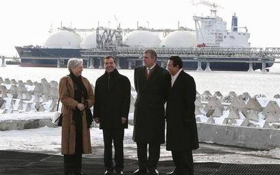 Maria van der Hoeven (po lewej) stanie na czele Międzynarodowej Agencji Energetycznej