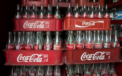 Coca-Cola zachęca do… wyrzucania swoich butelek
