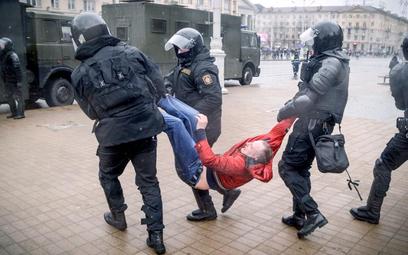 Podczas ubiegłorocznych obchodów Dnia Wolności 25 marca milicja zatrzymała 700 osób.