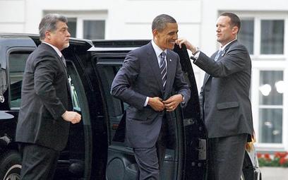 Prezydent USA przyjechał do Pałacu Prezydenckiego z opóźnieniem. Przed obiadem pojechał na pół godzi