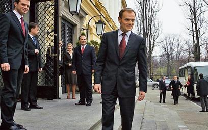 Gabinet Donalda Tuska od początku zapowiadał oszczędności. Na swoje pierwsze posiedzenie w lipcu 200