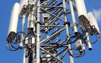 Normy promieniowania dla sieci komórkowych złagodzone. Jest rozporządzenie