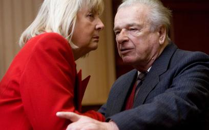 Gen. Czesław Kiszczak i jego żona Maria. Zdjęcie z 2009 roku