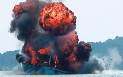 Nielegalne połowy już teraz powodują międzynarodowe konflikty. Na zdjęciu indonezyjska marynarka wys