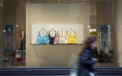 Producent luksusowych toreb obiecał skończyć z ich niszczeniem. Po aferze na TikToku
