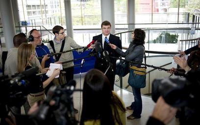Wice - prezes Air France, Eric Schramm, podczas konferencji prasowej mówi o przyczynach katastrofy
