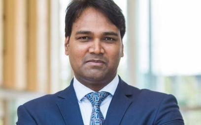 Pradeep Kumar szef fundacji, która w Indiach propaguje naukę w Polsce: Hindusi przyjeżdżają pakietami