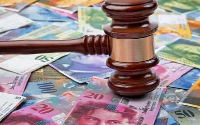 Adwokat: Sądy nie mogą czekać na uchwałę