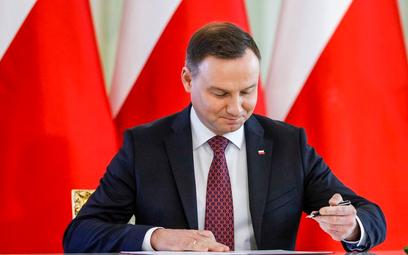 Prezydent nie pozostawia wątpliwości: podpisze ustawę przygotowaną przez PiS ustawę o wolnym dniu 12
