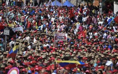 Kryzys w Wenezueli: Lider opozycji ogłosił się tymczasowym prezydentem