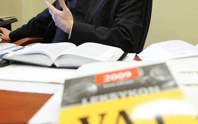 Gmina ma obowiązek zapłacić VAT od rekomensaty