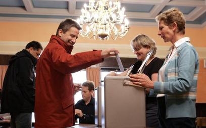 Wyrażona w referendum wola obywateli Szwajcarii stanowi prawo i nie podlega dyskusji.