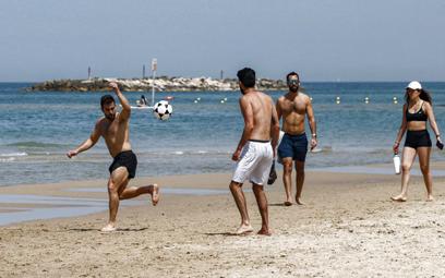 Izrael otworzy granice. Na początek wpuści turystów zorganizowanych